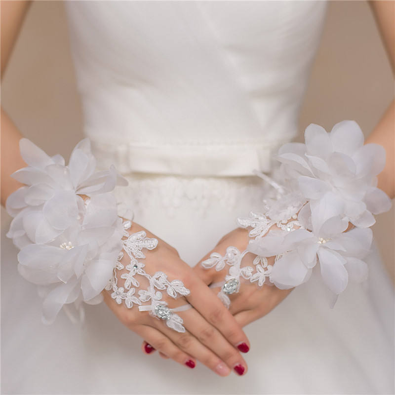 Short Flower Applique Red White Beading Wedding Gloves Women For Wedding