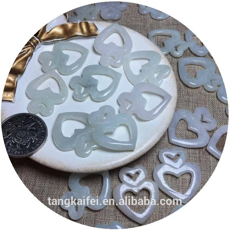 Wholesale high quality natural jade heart shape crystal pendant for souvenirs
