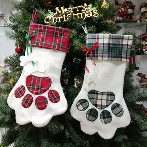 2020 new design lattice comfortable christmas stocking glittered tree full decoration dog pet white paw christmas socks in bulk