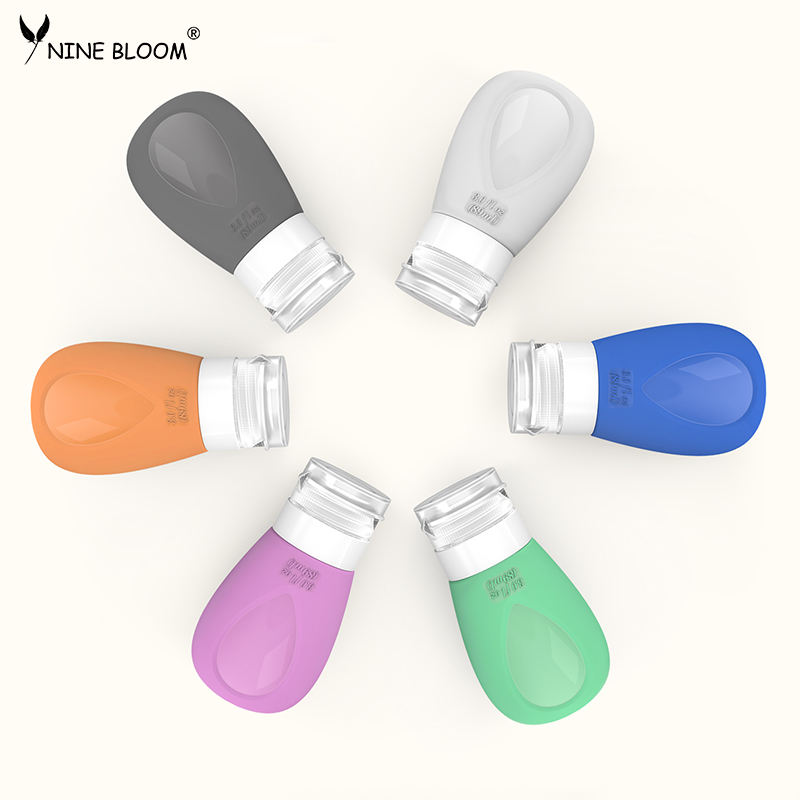 2020 latest silicone travel accessories shampoo and soap travel kit toiletries 4-in-1 travel bottles set