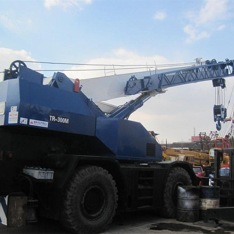 100% Japan original Tadano tr300M rough terrian crane in China
