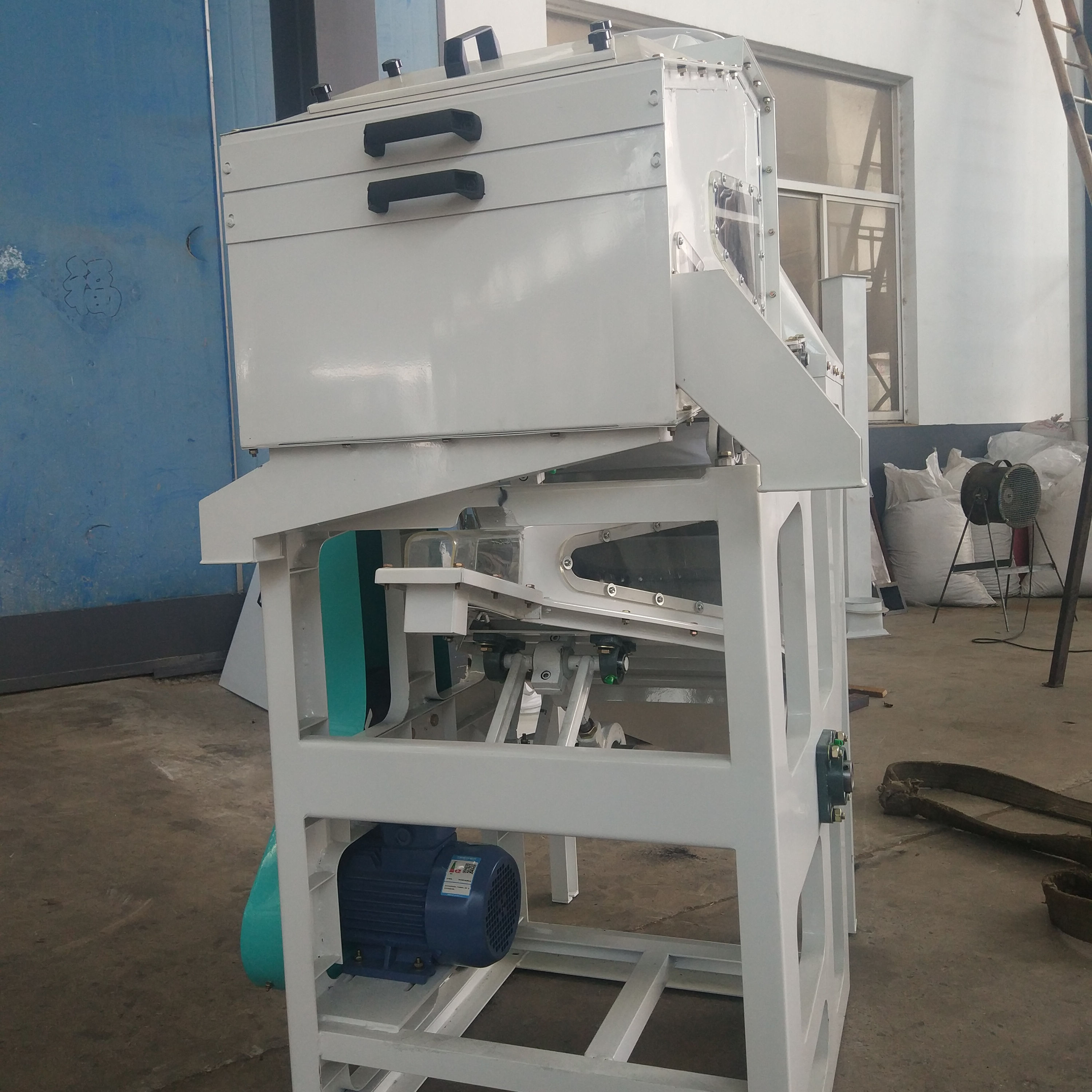automatic vibrating screen paddy grain cleaning sieving machine combined cleaner sieve