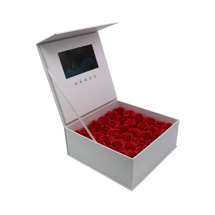 HD Mini Sound Long Lasting Rose Presentation Marketing Flower Packaging Heart Gift 5 Inch LCD Brochure Video Box With LCD Screen