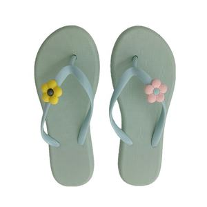 2019 New style flip flops slippers for women sugar color slippers for women flip-flops v shape strap with flower
