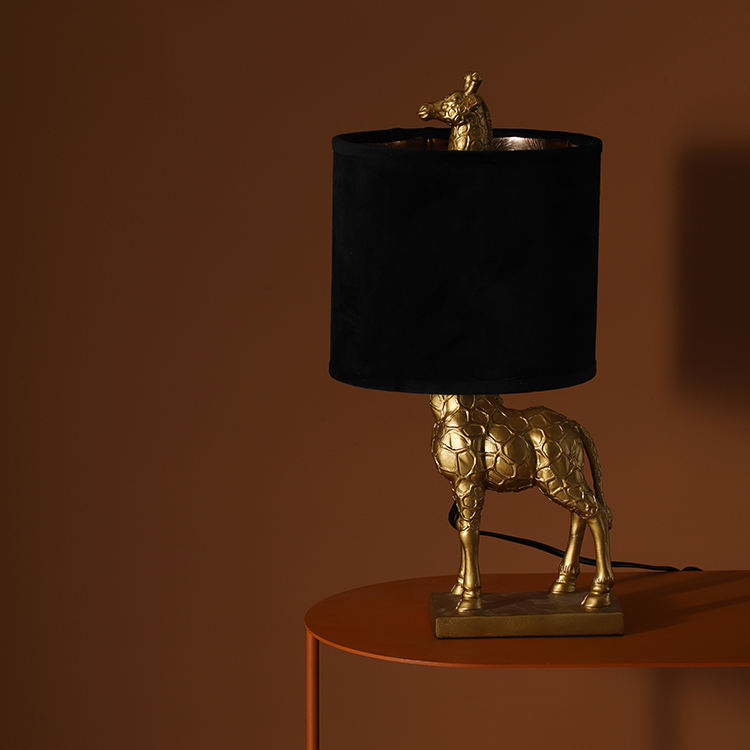creative small giraffe resin animal base home decoration black lampshade luxury gold desk lights for living room