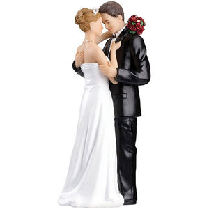 Wholesale resin handmade crafts  wedding cake toppers bride and groom figurines/