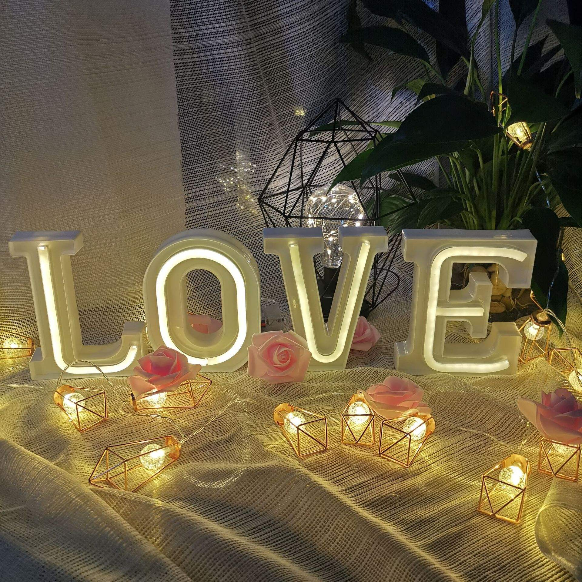 LED Letter Night Light Creative 26 English Alphabet Number Battery Lamp Romantic Wedding Party Valentine's Day Decor