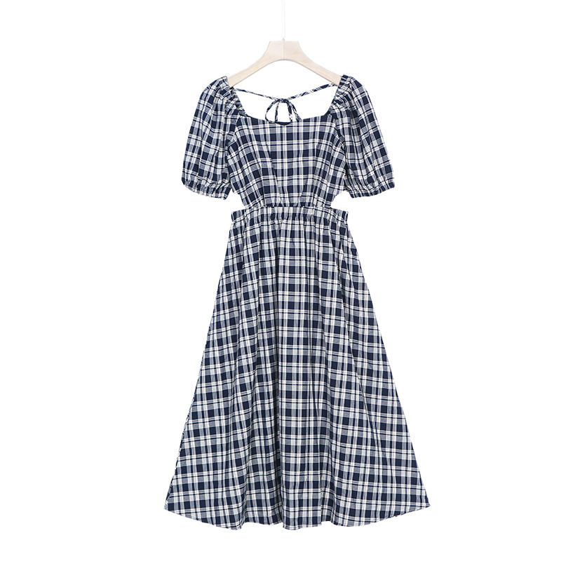 The new French retro plaid dress with a small square collar for summer 2021 has a sexy cutout over the knee