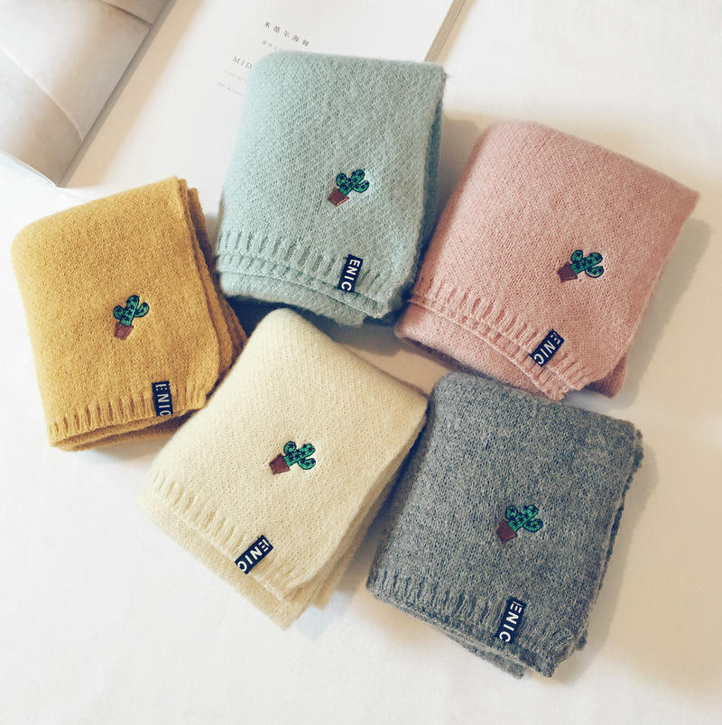 Children's thick knitted wool scarf boys and girls lovely fashion lengthen warm collar