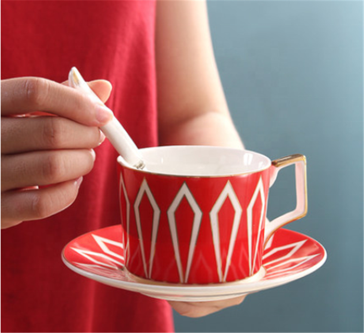 Europe modern shape red color espresso coffee cups ceramic unique shape cup and saucer