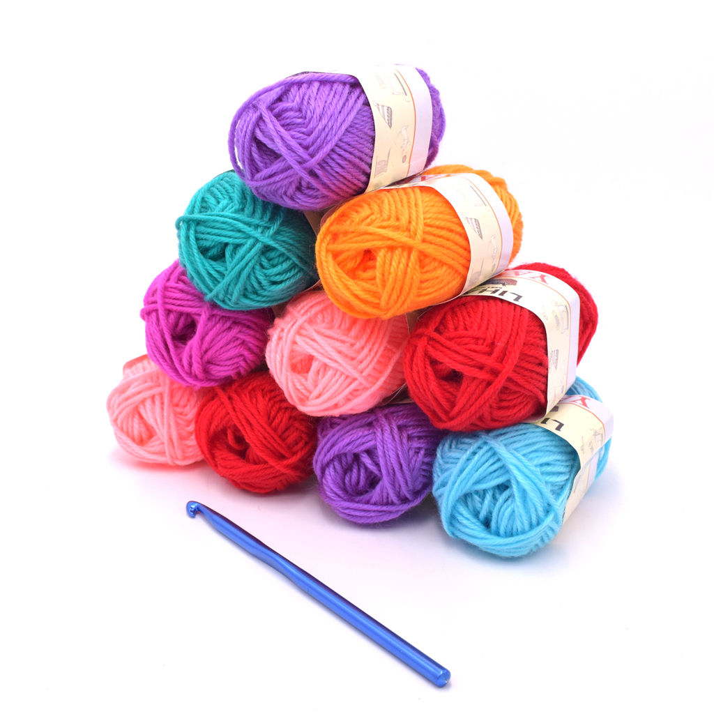 China quantity supply 100% acrylic yarn for knitting