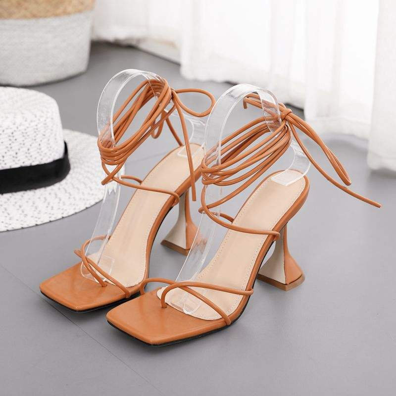Brand Design Cross bandage peep toed Block high heels woman sandals Ladies shoes Brown Black color size 35-42 Factory wholesale