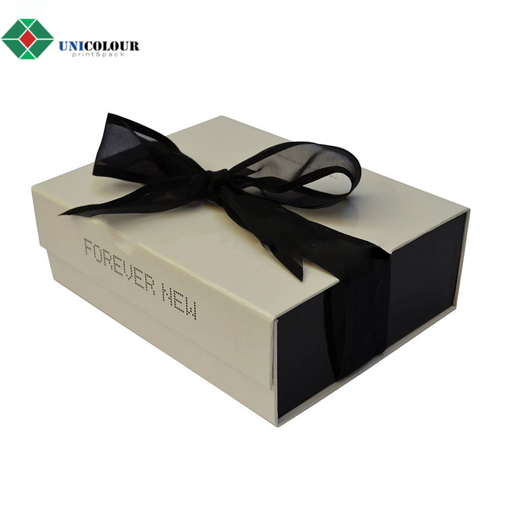 Custom cardboard flat pack gift box with luxury logo printed