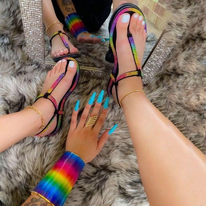 2021 New Arrival Fashion Women Summer Rainbow Rhinestone Flat Sandals Ladies Toe Ring Round Toe Crystal Slippers
