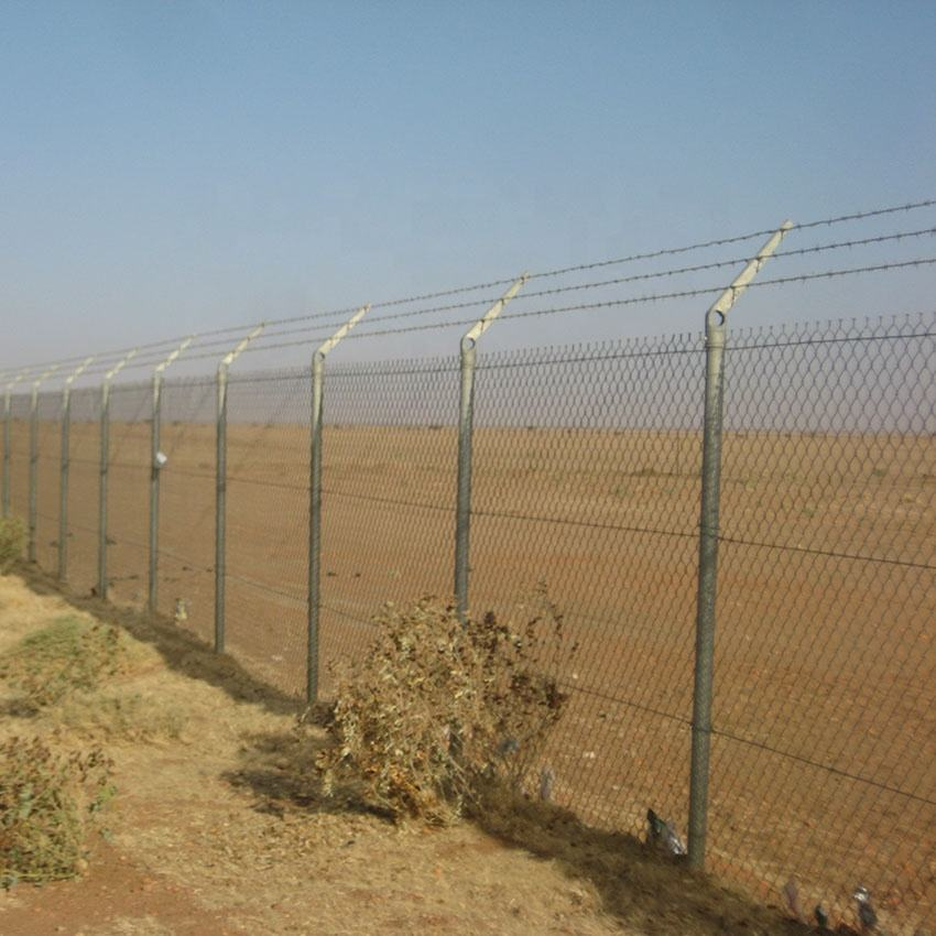 Airport galvanized coated chain link diamond cyclone fencing