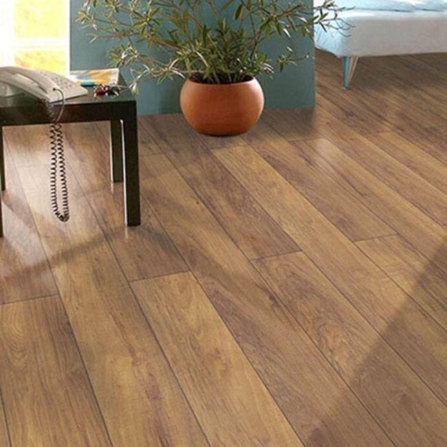 Factory Direct Master Designs Style Selections HDF Laminate Wood Flooring