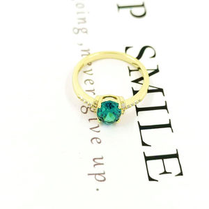 Handmade Women Jewelry Wholesale Emerald Cut CZ Oval Green Crystal Gold Plated Ladies Silver Ring