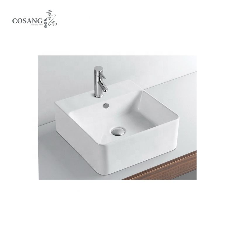 Factory Direct Sales wash basin tap free standing small size
