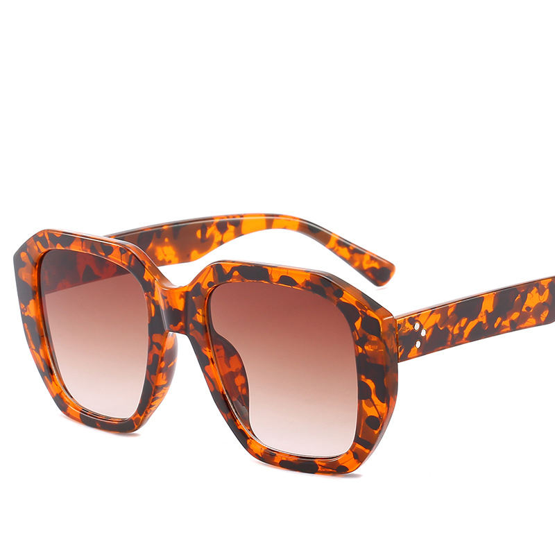 New fashion box trend Amber color Street Photo Sunglasses for men and women