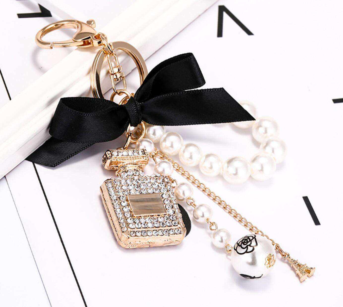 CH5456 New Design Fashion Bottle keychains Korean style pearls keychains Gold plated key chains