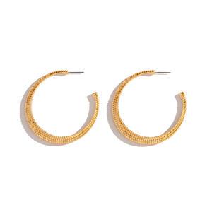 New Design Delicate Fashion 18K Gold U Shaped Hoop Earrings Golden Snake Skin U Shaped Hoop Earrings for Girls
