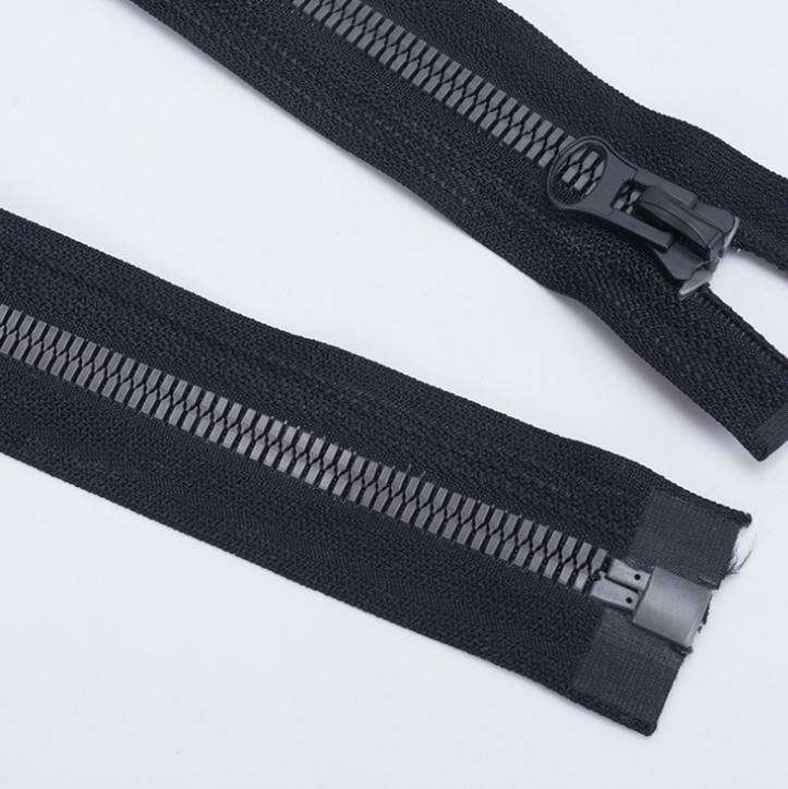 Wholesale open-end #8 plastic zippers separable zip special resin big square teeth zip for garment and rugs