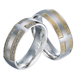 Factory Pure Titanium Wedding Rings Set Imitation Diamond Wedding Bands For Couple ring