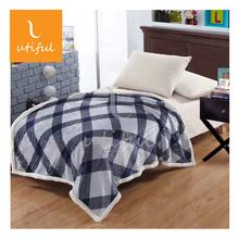 Very Warm Geometry Printed 2 Layers 100% Polyester Flannel Sherpa Lamb Fleece Blanket For Bedding