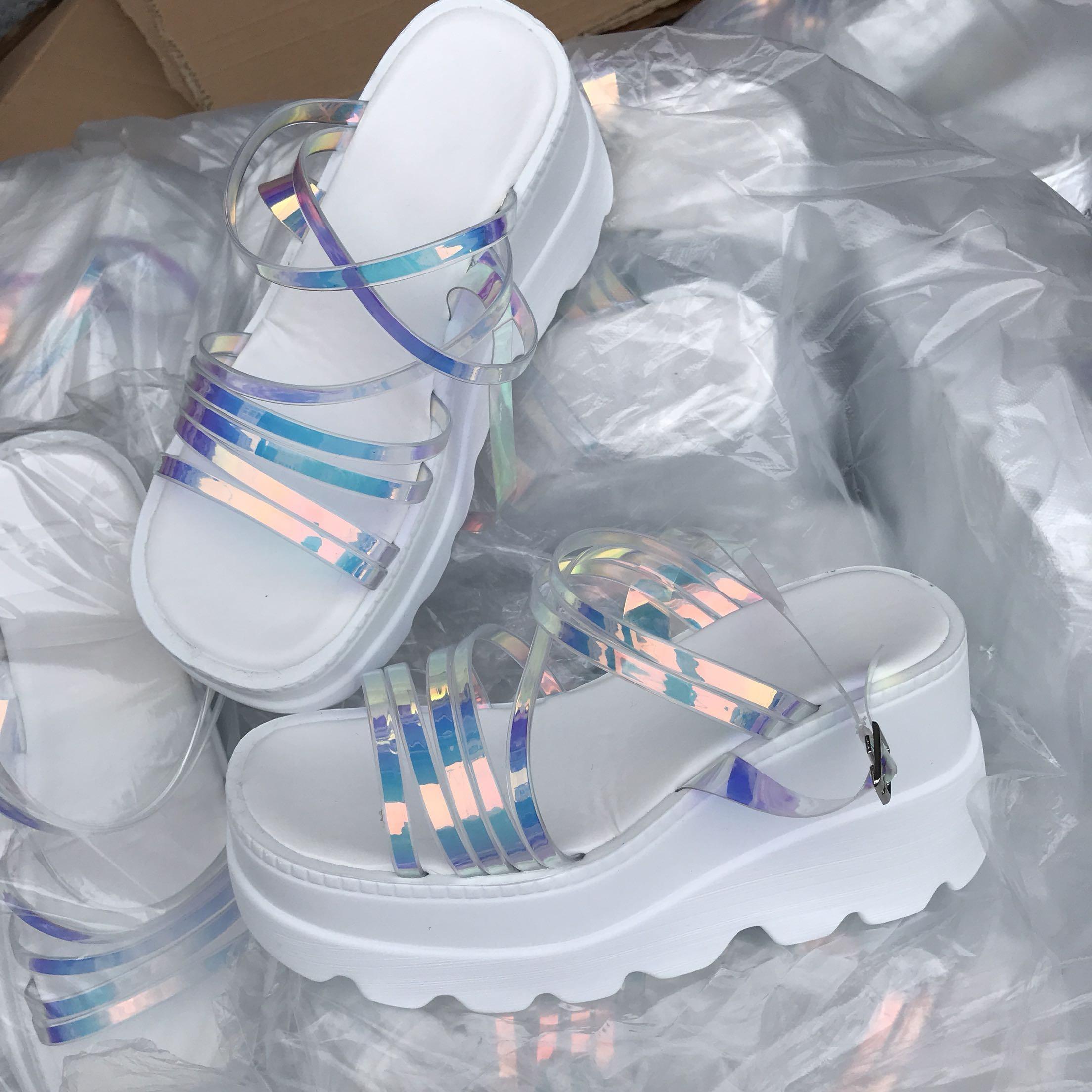 Precio barato Verano de 2020 Sandalias Zapatos de plataforma de las mujeres sandalias de verano de las mujeres para la <span class=keywords><strong>casa</strong></span>