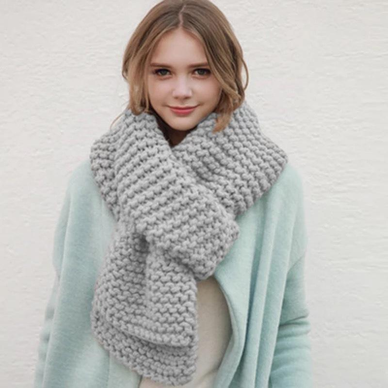 Korean version of the new thick wool handmade scarf women winter thick pure color knitted warm scarf