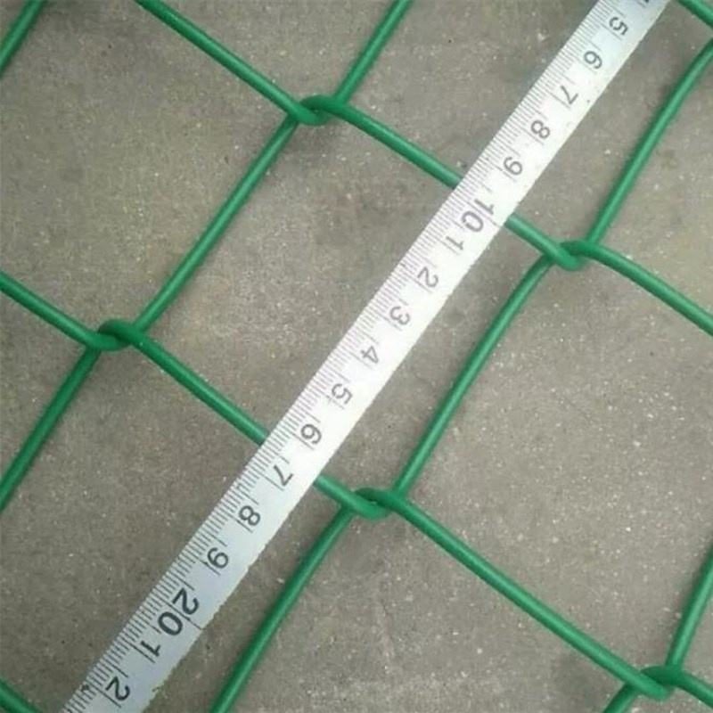 Wholesale PVC Coated Soccer Field Decorative 6ft Wire Mesh Chain Link Fence