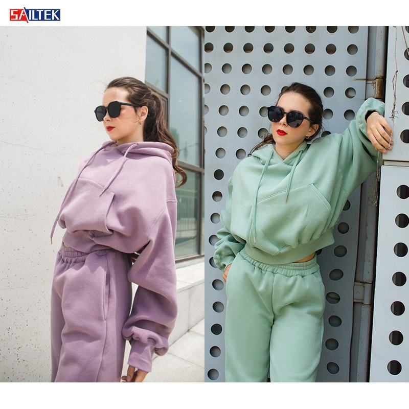 2020 OEM autumn winter sweat suits women Custom velvet women set crop top oversize hoodie set for women