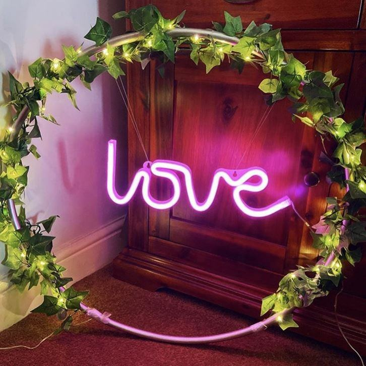 Low Price LOVE Sign Neon Lights Personalized Sign for Home and Wedding Decoration