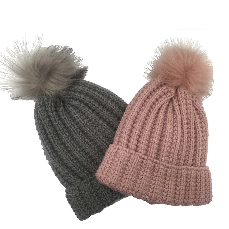 high quality wholesale ladies winter beanie knitted hat faux fur pom pom