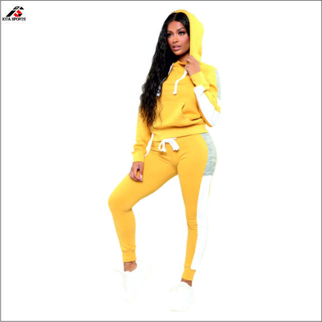 Slim fit women tracksuits golden color wholesale cheap custom design everyday wear relaxed fit tracksuit sets