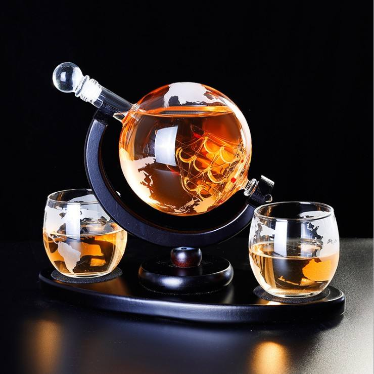 Globe shape whiskey decanter glass set for sale