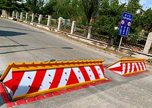 Traffic barrier led warning lights remote control hydraulic automatic road blocker