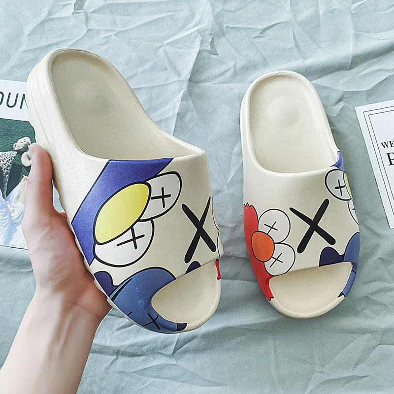 Breathable Men's Graffiti Slippers Yeezys Carton Pattern Slides Rubber Sandals