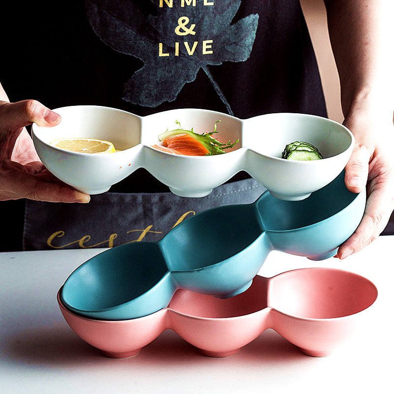 Wholesale cheap price dinnerware snack dishes multiple hole porcelain round dish