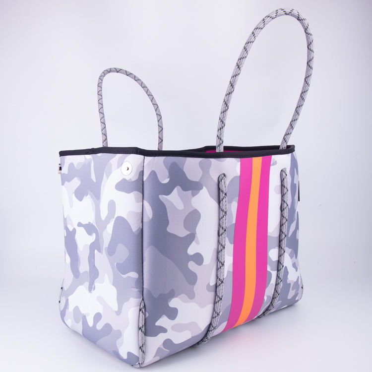 wholesale perforated neoprene waterproof fashion tote bag beach bag camouflage shoulder handbag