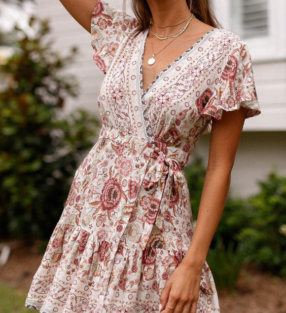 2021 spring & summer Bohemian Beach Short Sleeve Deep V Neck Big Fashion Floral Pleated Print Casual Dress Plus Size Dress