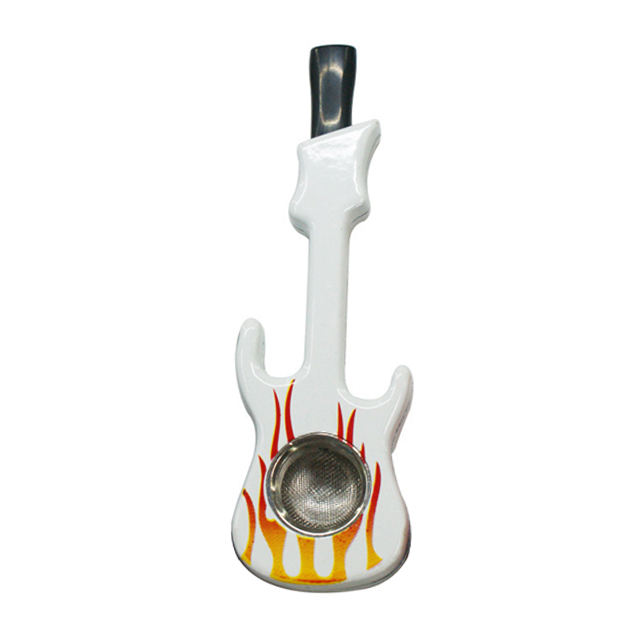 Wholesale Portable Creative Musical Instruments Guitar Shape Metal Smoking Accessories Tobacco Pipe For Healthy Smoking