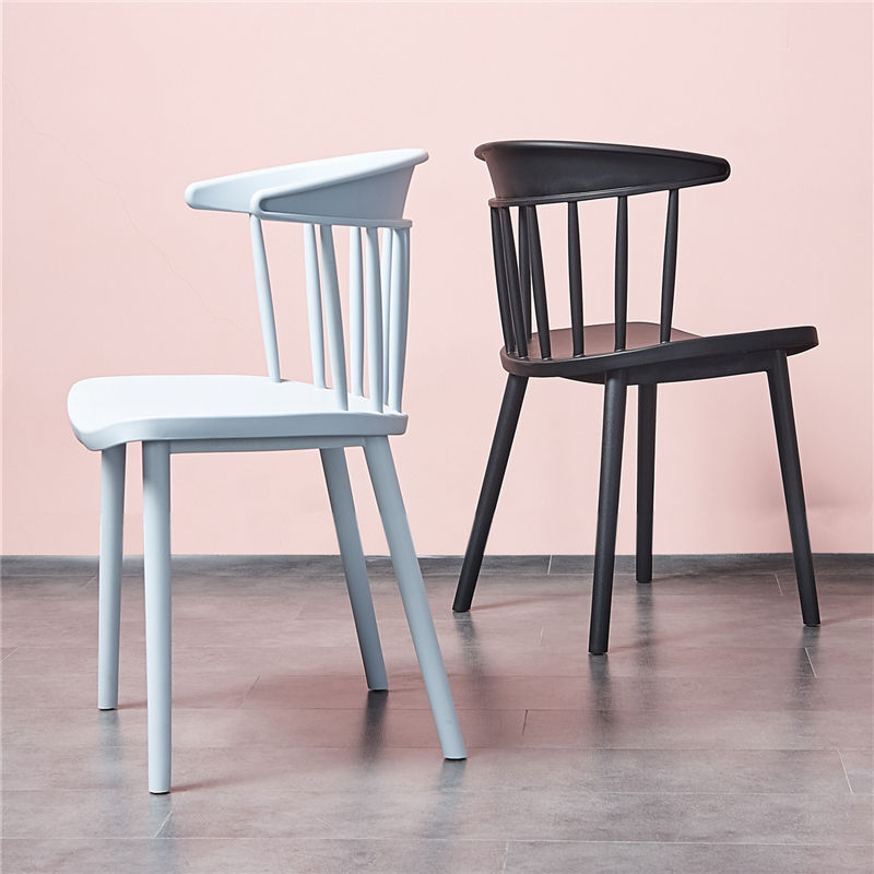 China Factory Cheap Modern Style Home Furniture Italian Design Dining Hard Plastic Chair