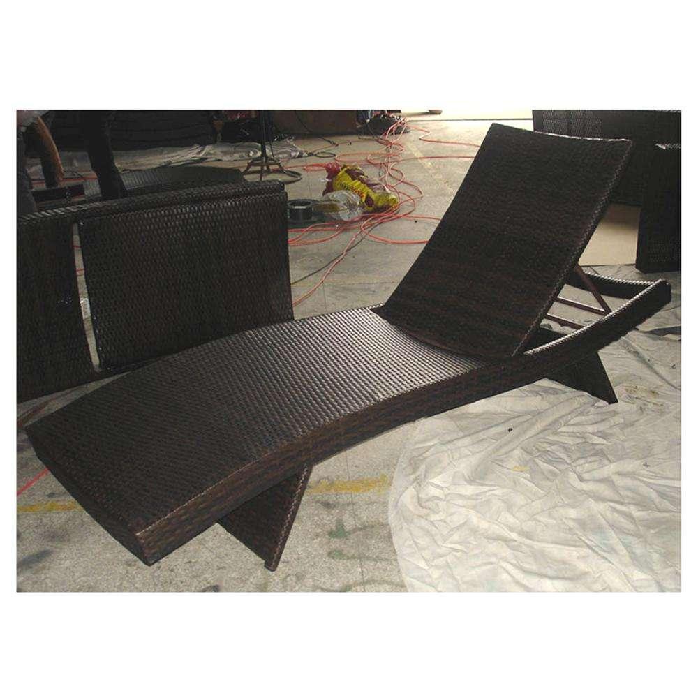 Đen có thể gập lại chaise lounger UV kháng đan bằng mây dệt bên bể bơi Ghế Tắm Nắng