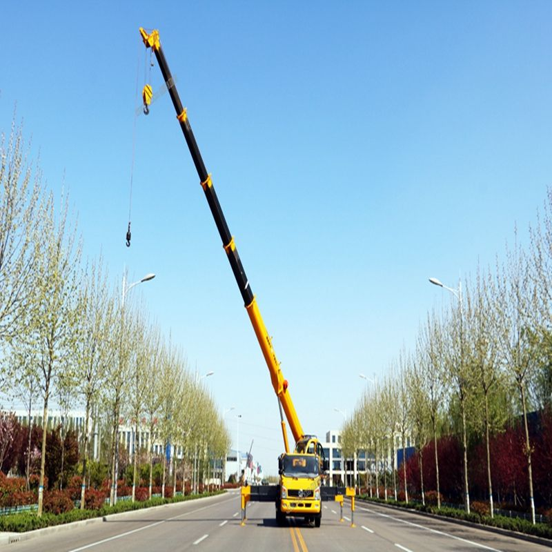 31m beam 4x4 drive 25t short wheelbase truck crane with hydraulic fly jib