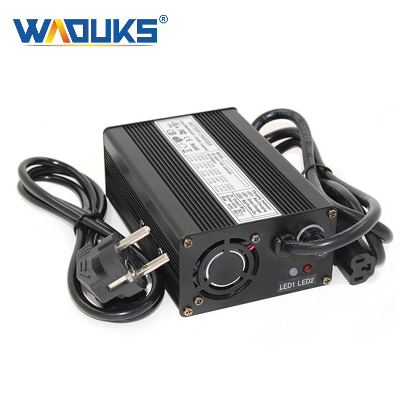 54.6 V 2.5A 충전기 48 V Li-ion Battery Charger For13S Lipo/LiMn2O4/LiCoO2 Battery 팩 Quick charge 완전 자동