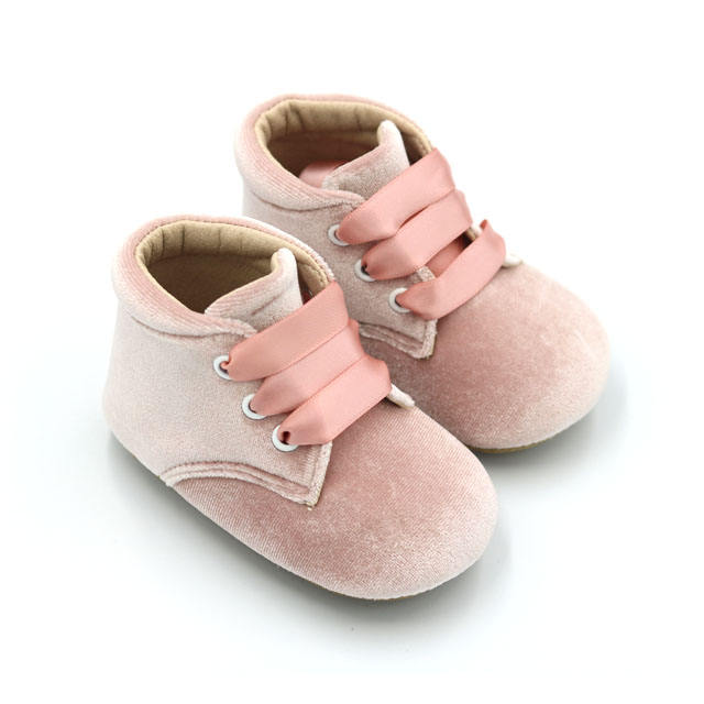 Western Style Breathable Suede Leather Baby Slipper Booties