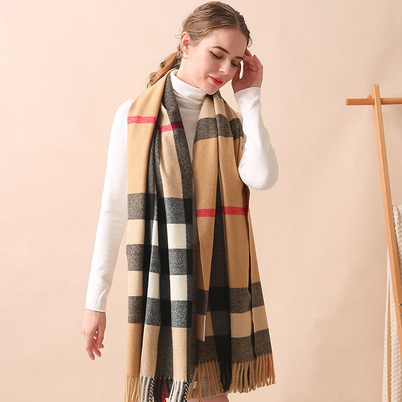 New Fashion European Classic Plaid Scarf Female Autumn and Winter Thick Shawl Cashmere Scarf Wholesale