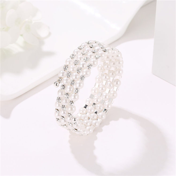 Hot Selling Four-layer Pearl Winding Spiral Custom Pearl Bracelets Women Charm Bracelet