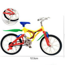 Mini off-road bicycle finger toy with scooter for kid play